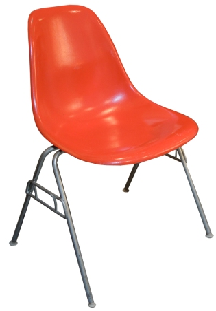Eames_Red Shell_HM