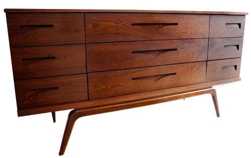 Nine Drawer Dresser Inset pulls_LR