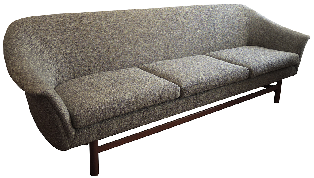 Mid Century Danish Teak Sofa – Inabstracto