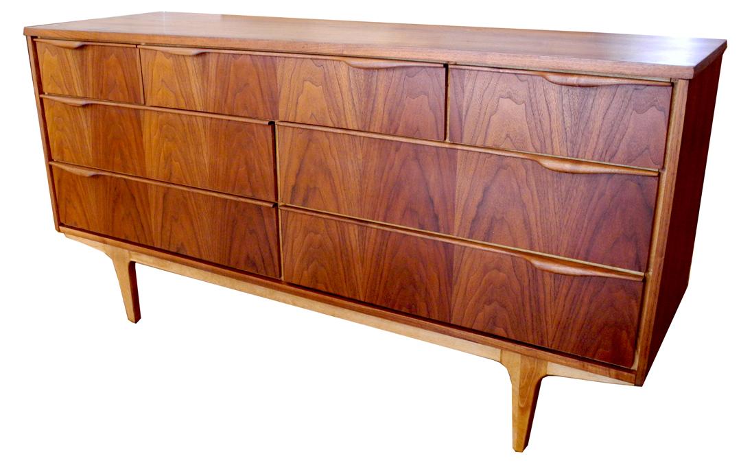 walnut 7 drawer LR