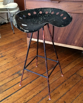 tractor-seat-stool
