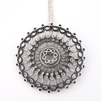 Uni-David-Andersen-Norway-modernist-silver-pendant-necklace-Marianne-Berg - Version 2